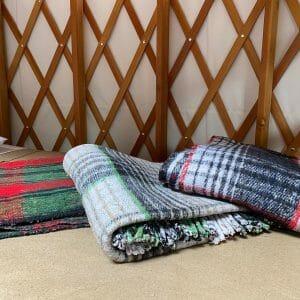 maine yurt decor
